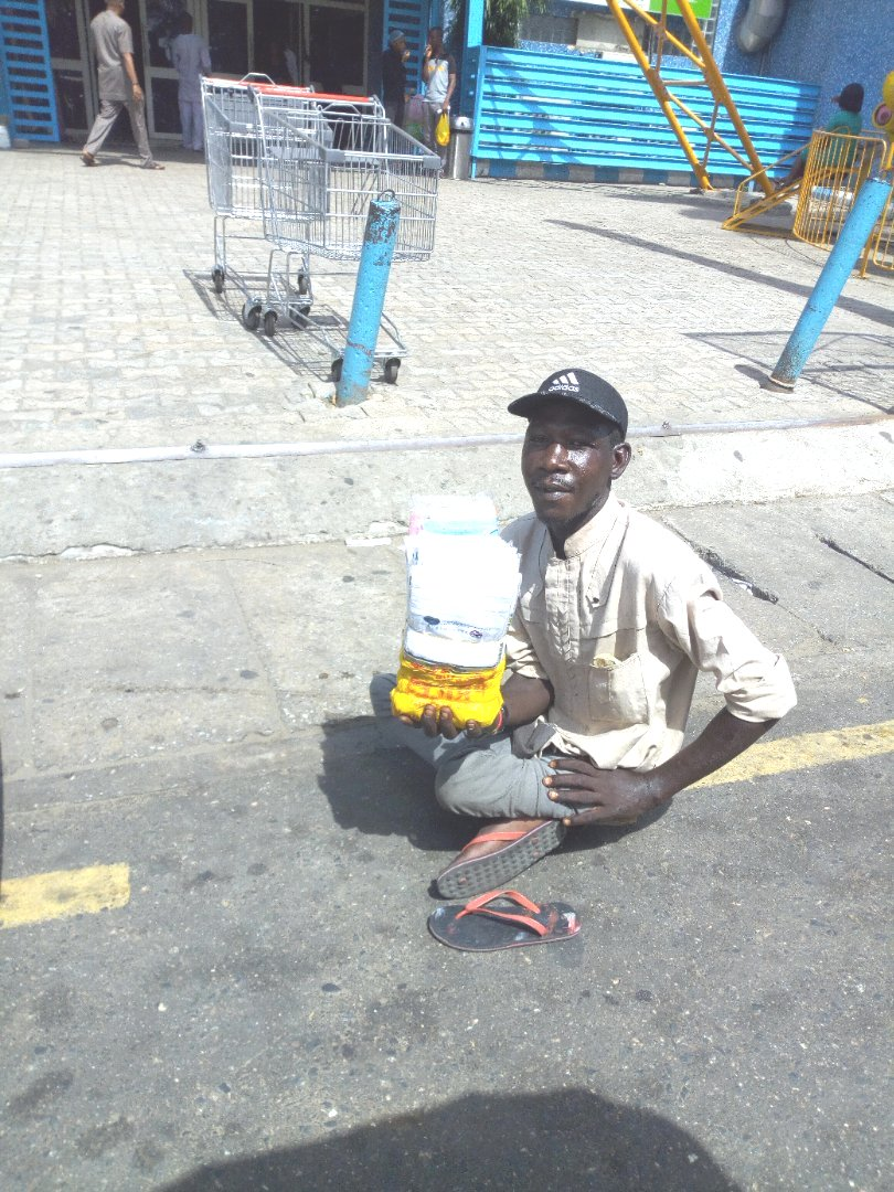 Meet the Shoprite beggar with a difference.
